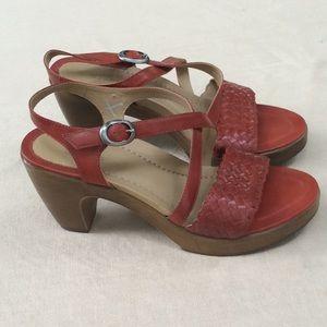 NWOT Dansko Women's coral platform sandals 38